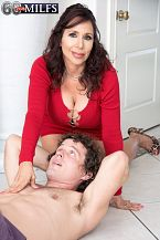 A fresh 60Plus MILF who's short 'n' stacked