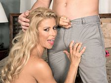 Alexis Fawx and the luckiest smooth operator in the universe