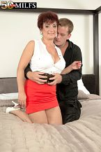 Big-titted divorcee Jessica is hawt for cock